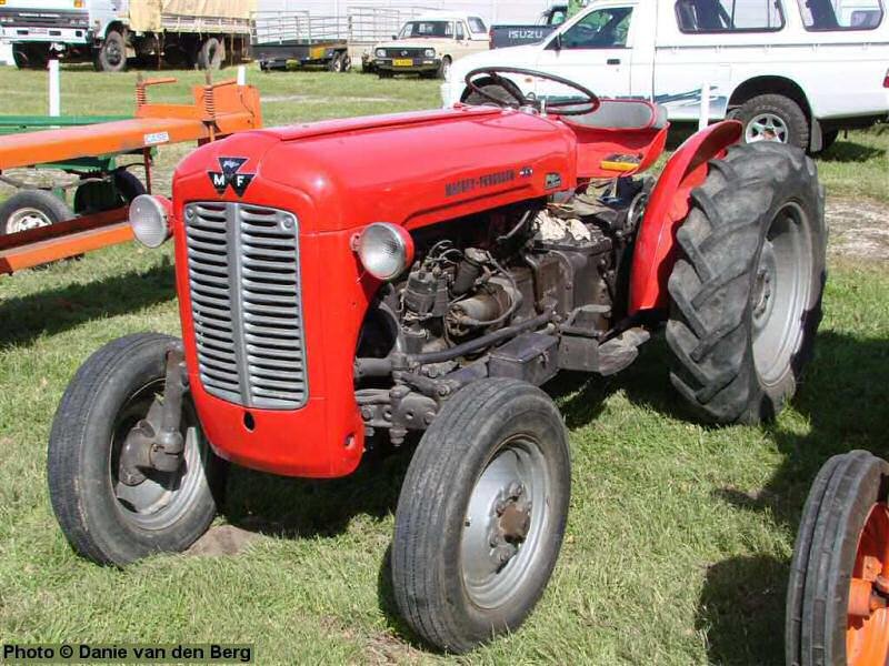 southern african farming equipment tractor photos page 4. Black Bedroom Furniture Sets. Home Design Ideas