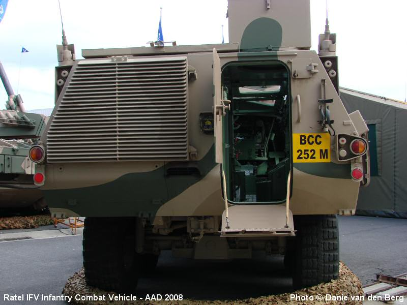 http://www.sa-transport.co.za/military/army/ratel_ifv_aad2008_09_dvdb08.JPG