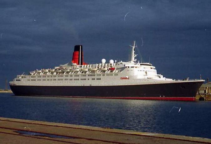 Cruise Ship Photos - Queen Elizabeth II