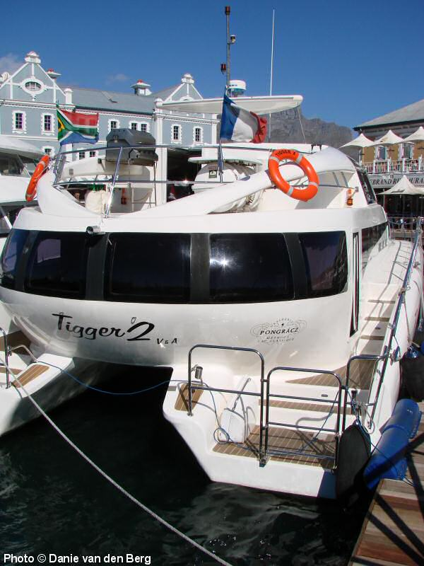 28 Luxury Cruiser Boats Cabin And