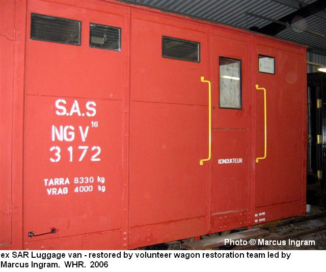 http://www.sa-transport.co.za/train_modellers/ngrs/ng-v-16_3172_luggage_van_1_mi06.JPG