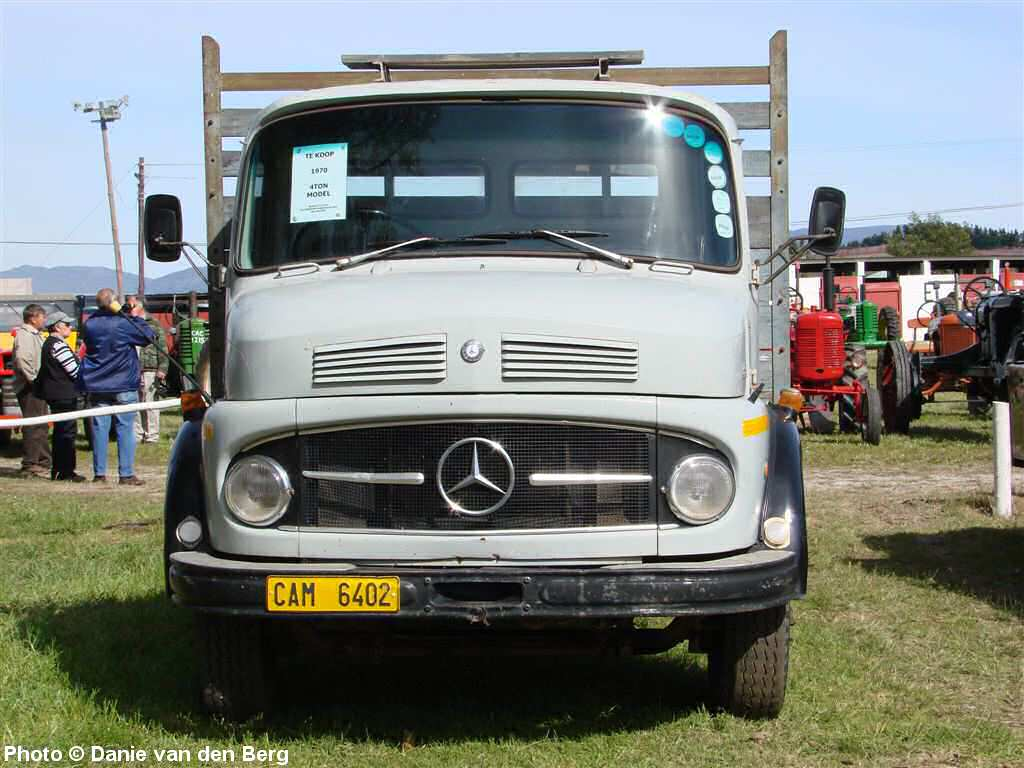 trucks benz new overall mercedes economy gb en news truck