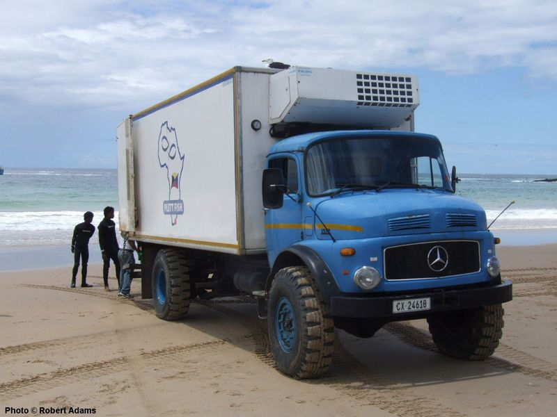 http://www.sa-transport.co.za/trucks/m-b/mercedes_benz_1517_ra06.JPG